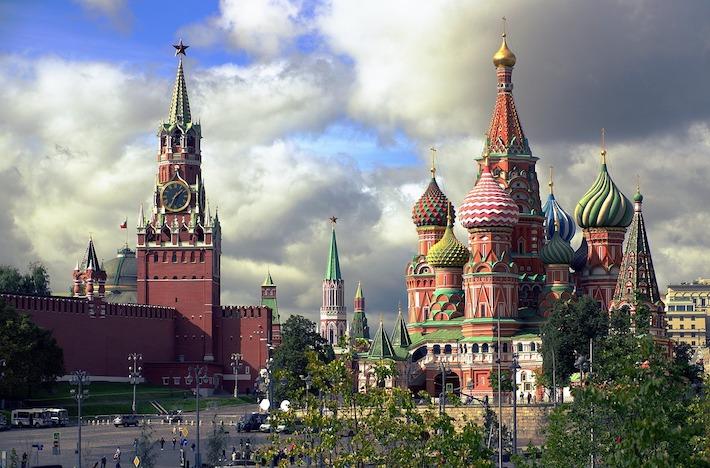 """Rusi sledujú volebné """"šialenstvo"""" v Spojených štátoch amerických"""