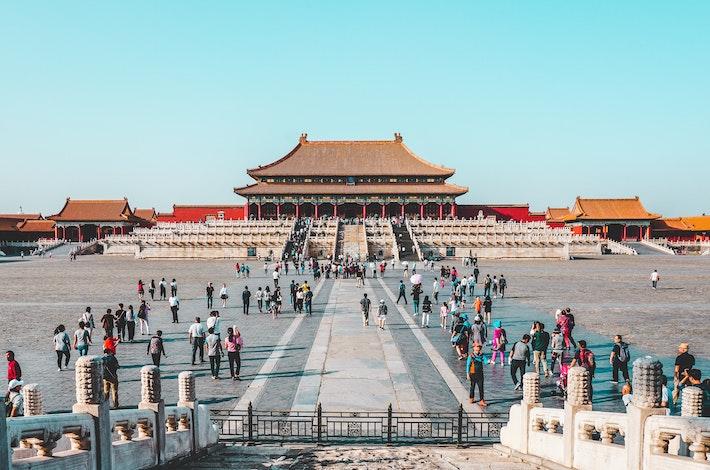 Čína sa bojí už aj správ BBC